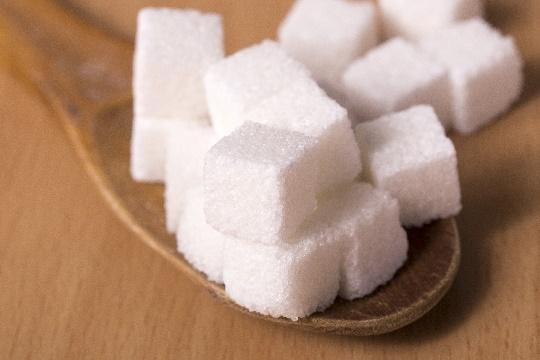 冷え性が砂糖で引き起こされる3つの原因!と様々な害