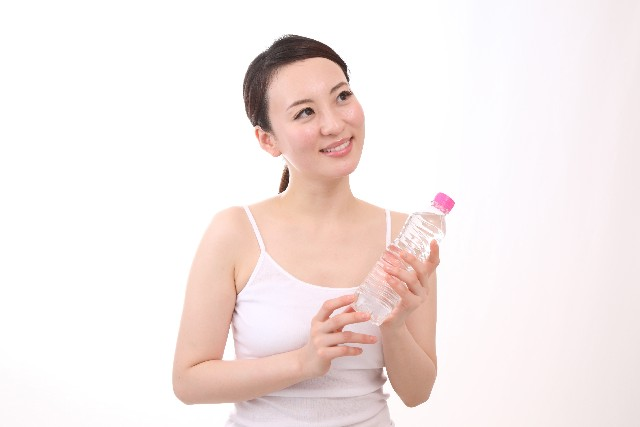 ペットボトルで簡単に太もも痩せ!その方法と効果を上げるやり方
