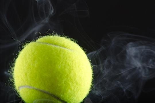 テニスボール1つで簡単♪足のむくみをに解消する方法!冷え性や脚痩せにも