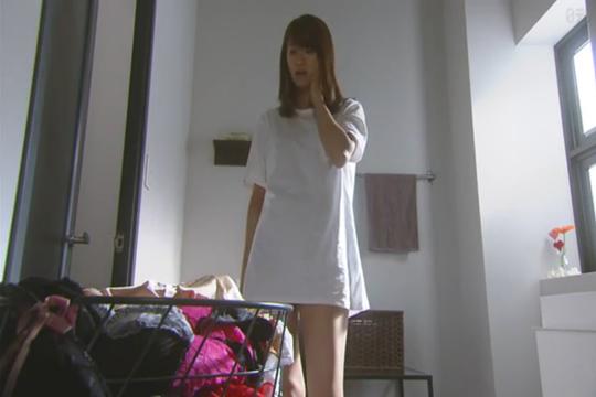 榮倉奈々さんが美脚を手に入れた方法!タラレバのTシャツ姿が話題に