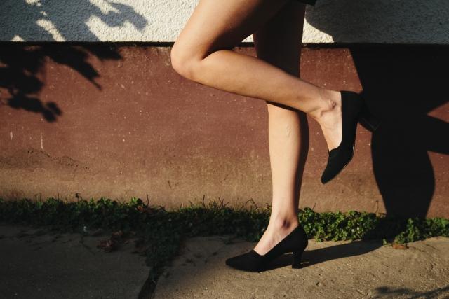 足のむくみをしっかり解消!エクササイズとストレッチ7選!