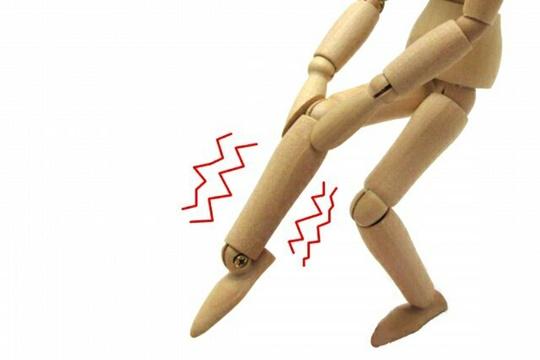 足のむくみのしびれの原因とは!?解消や対策方法について