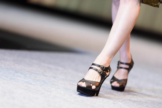 足が細く見える夏のファッションコーデ10選!最強の着こなし術!