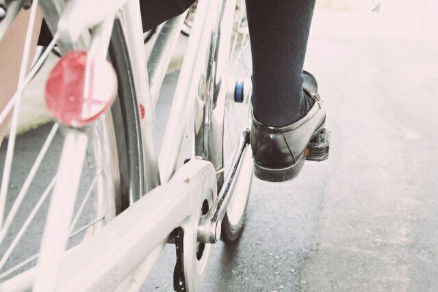 空中自転車こぎは脚痩せに効果テキメン!正しいやり方と消費カロリー