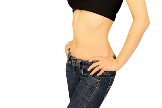 骨盤矯正スクワットは太もも痩せにテキメン!その効果とやり方!