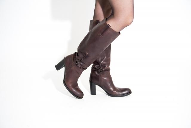 足が細く見えるブーツの履きこなし方!丈や形や色も詳しく!